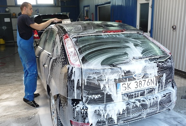 Stations de lavage quels dangers pour la carrosserie for Lavage auto interieur